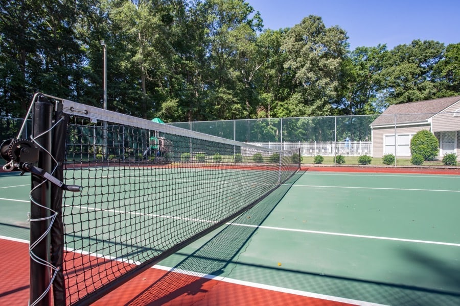 Luna Pointe Apartments Tennis Court